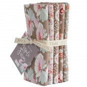 Tilda Fat Quarter Bundle Maple Farm umber sand