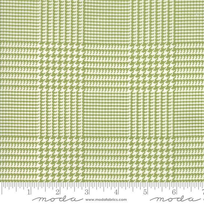 Moda Fabrics Christmas Card Tweed grün