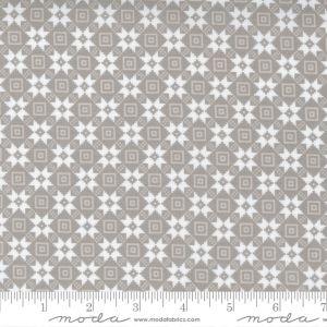 Moda Fabrics Christmas Morning Bright Star Quilt Block Dove